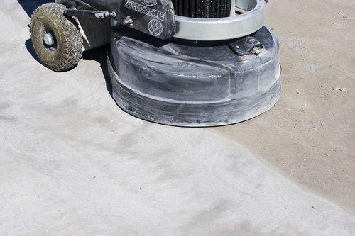 Gut gemocht Untergrundvorbereitung: alten Kleber und Ausgleichsmasse entfernen PV18